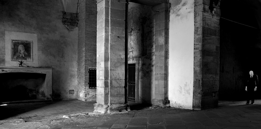 ITALY. 2013. Lucca. The return of a penitent